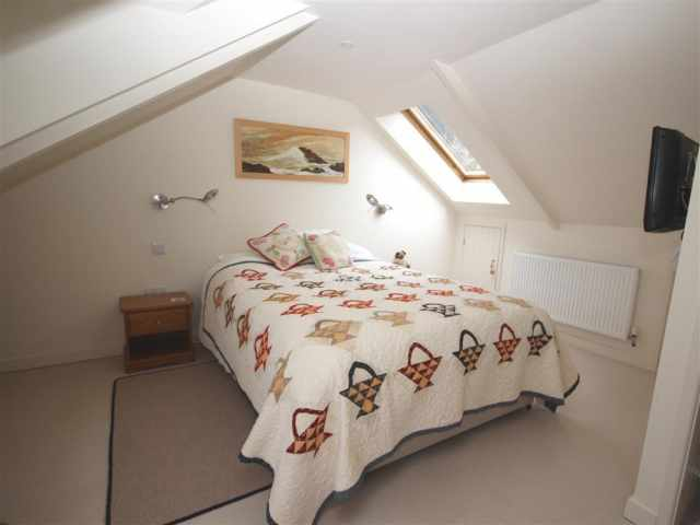 Top floor king bedroom