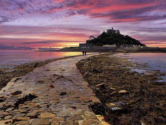 St Michael\'s Mount at dusk
