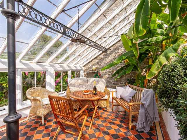 Greenhouse dining room continued