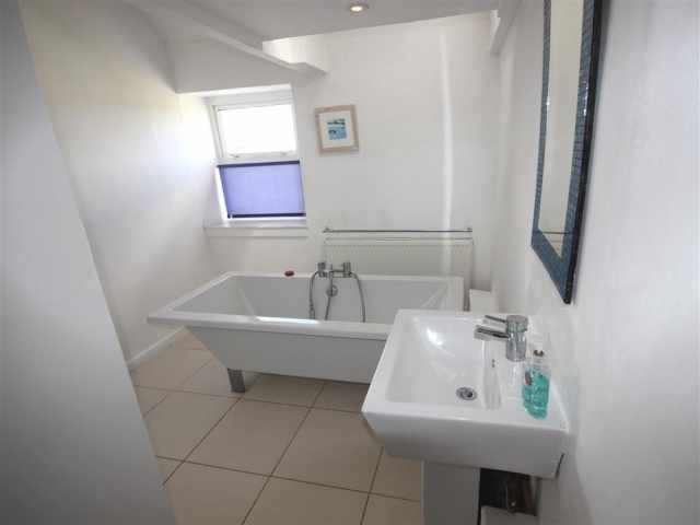Feature bath ensuite