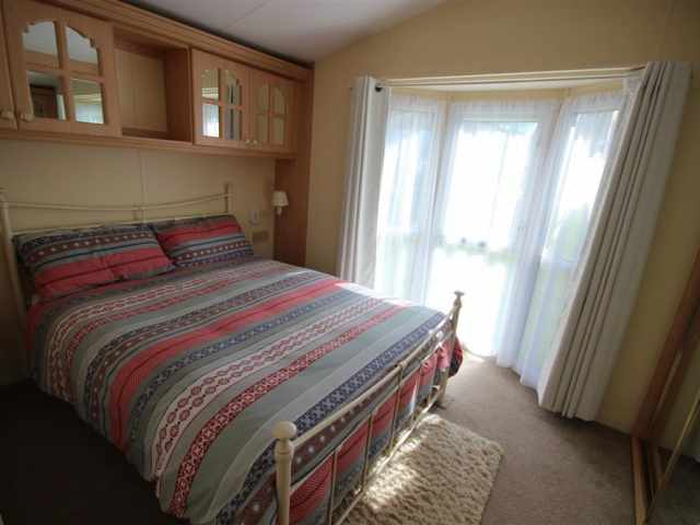 Double bedroom continued