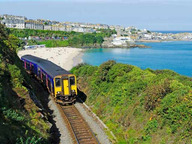 St Ives coast train