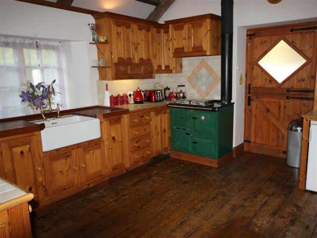 Traditional kitchen with Cornish Range
