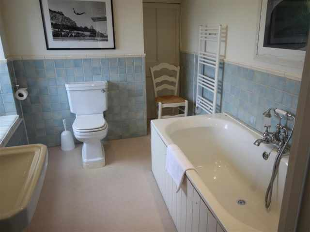 Bathroom ensuite to super king