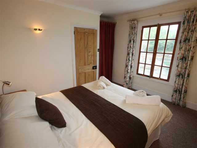 Kingsize double with picture window