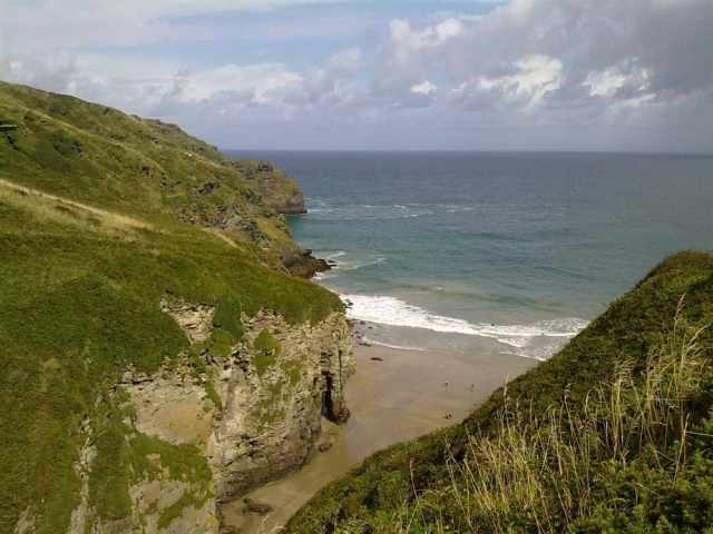 Bossiney Haven beach