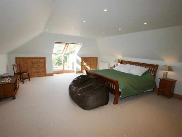Master bedroom with 6ft double
