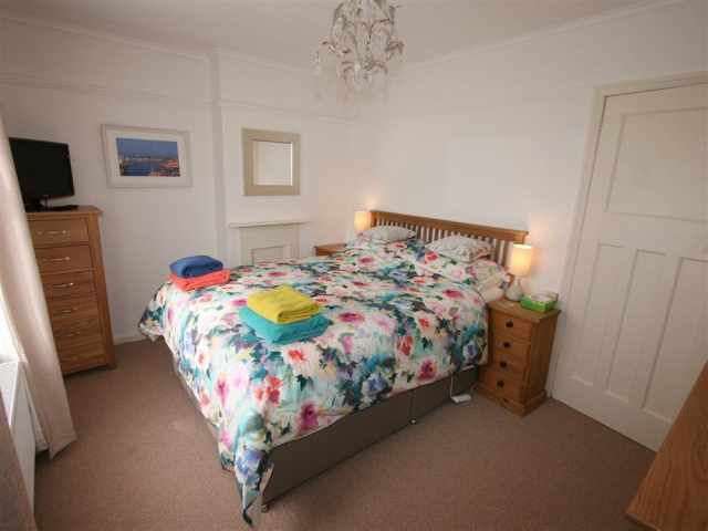 5ft kingsize bedroom